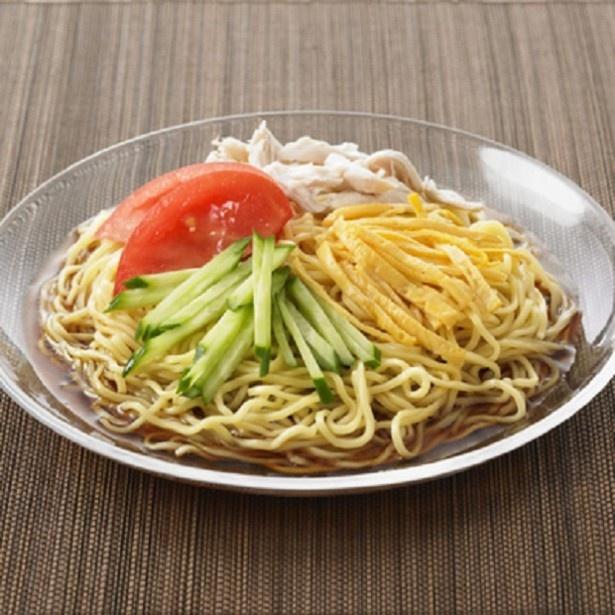 「北海道産小麦粉使用 冷やし中華」(1人前)のスープは、北海道産丸大豆板醤とリンゴ酢のまろやかな味わい