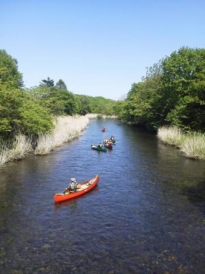 支笏湖のそばでは、カヌーに乗ることもできる!