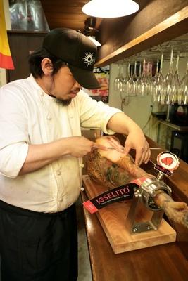 世界一と名高いホセリートの生ハムは、原価ギリギリの950円/スペインバル オルケスタ