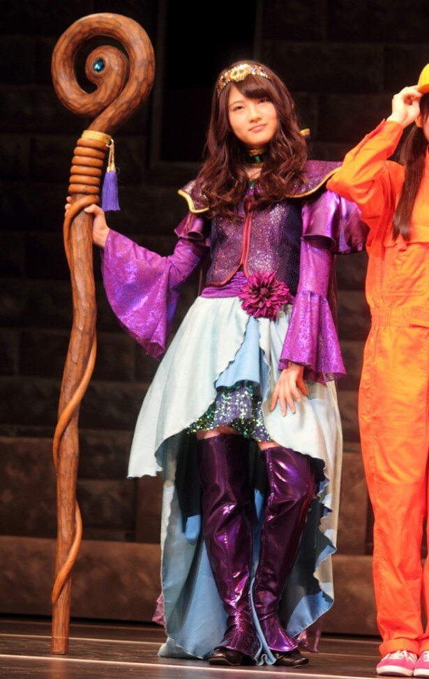 ルイーダの衣装を着た若月佑美は、この日の実際の公演でルイーダ役をゲット!