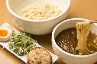 1/10上新庄にオープンした「創作らーめん クーシェ」のつけ麺 KURO¥880