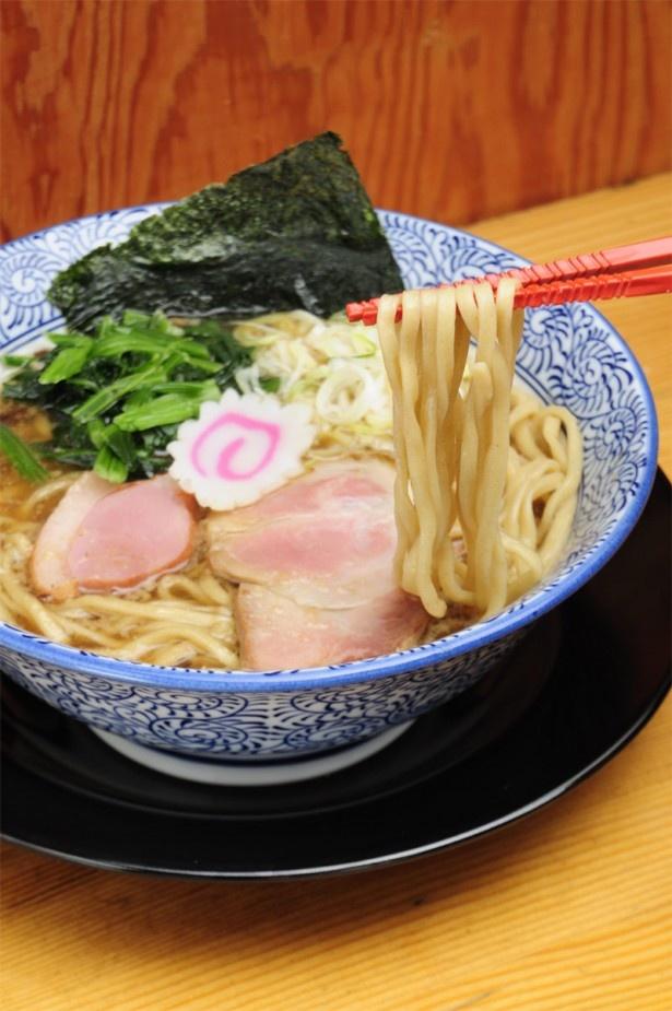 5/8にオープンしたばかりの「麺匠 而今(じこん)」の香潤旨味そば(醤油)¥730