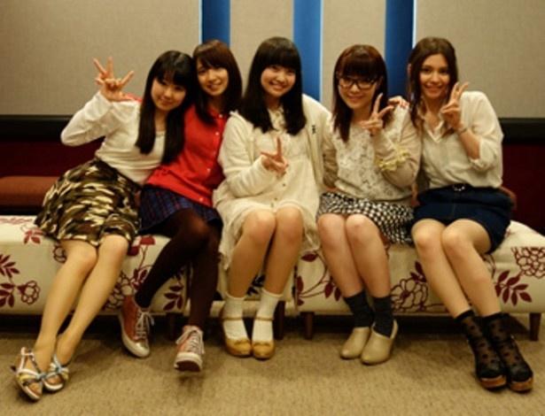 【写真を見る】(写真左から)東山奈央、大久保瑠美、大橋彩香、内山夕実、Lynn