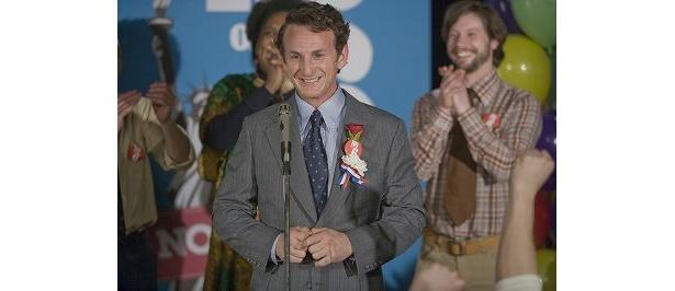 ゲイを公表したハーベイ・ミルクを熱演し、第81回アカデミー賞最優秀男優賞を受賞したショーン・ペン
