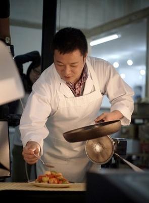 料理人・纐纈正夫(こうけつ・まさお)氏