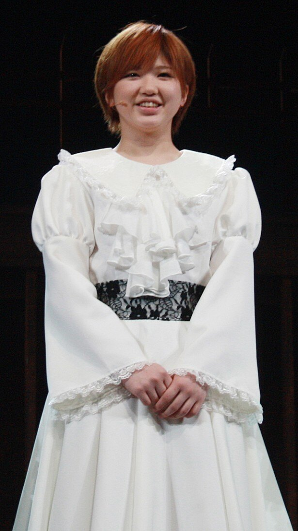 タケちゃん(竹内朱莉)は小学6年生の時の初舞台を思い出して「生意気な子供だったなって」と振り返るが、メンバーから「今は(違うの)?」とツッコまれていた