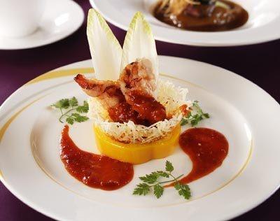 """おいしいお料理は披露宴の楽しみの中でも重要なポイント。""""クーレクール・キュイジーヌ""""でゲストをおもてなししよう!"""