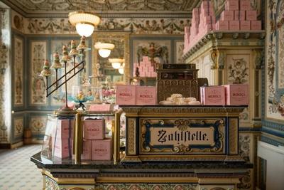 劇中に登場する人気ベーカリー「MENDL'S」のかわいらしい店内