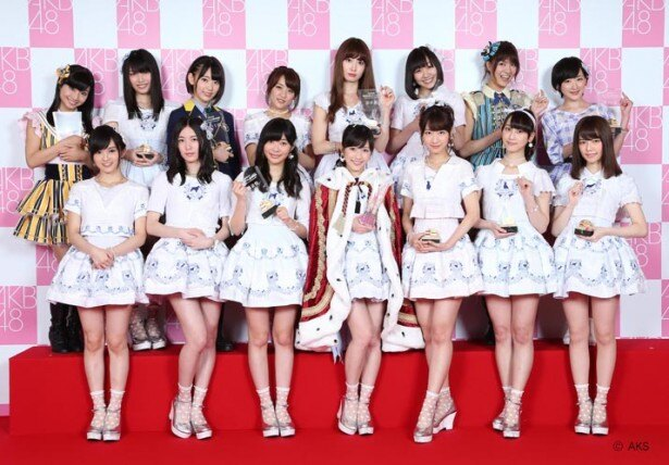 "「AKB48 37thシングル選抜総選挙」で上位16位に入り、見事選抜入りを果たした渡辺麻友(前列中央)ら""新選抜""メンバー"