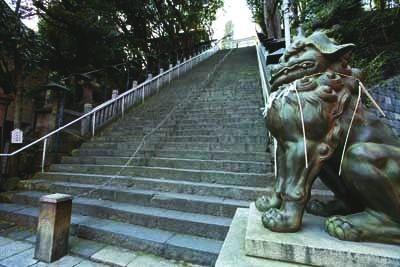 愛宕神社の86段の階段。のぼれば出世につながるかも?