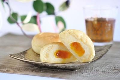 スイーツ人気ランキング6位の八天堂「金のくりーむパン」(税込250円)