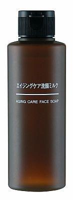 洗顔ミルク(1000円、150ml)は加齢が気になる肌に