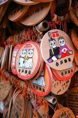 絵馬(700円)は人気。どんな願いごとを書く?