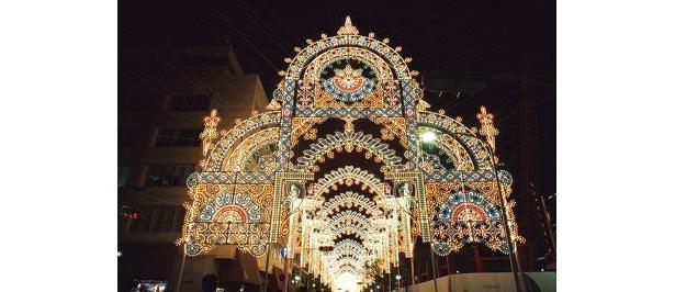 2008年の来場者数は375万5000人を数えた(写真は2008年開催の「第14回神戸ルミナリエ」)