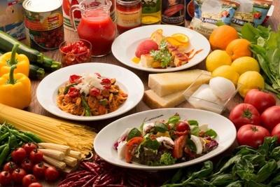 8月1日(金)から9月23日(火)まで開催される「モッツァレラ、ドライトマト、ブラッドオレンジ・フェア」