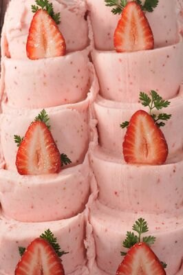 ケーキみたいなジェラート!とちおとめとあまおうを使用したフラゴラ(オレンターノ イル ジェラート)