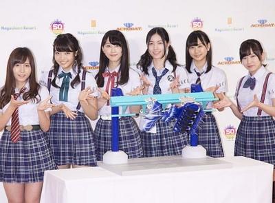 就任式に出席した大場美奈、二村春香、松井玲奈、松井珠理奈、古畑奈和、岩永亞美(左から)