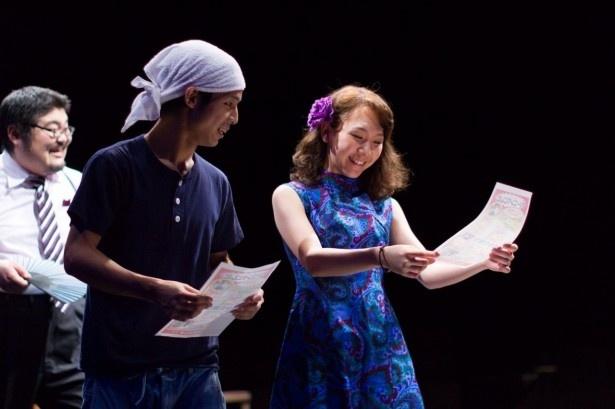 23歳若手の新劇団員・小田直樹がフレッシュな芝居を見せる(写真左から2番目)