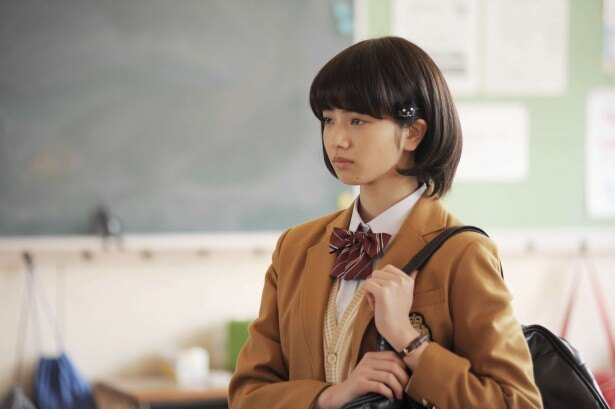 超クールな天才女子高生・枢木ゆにを演じる小松菜奈