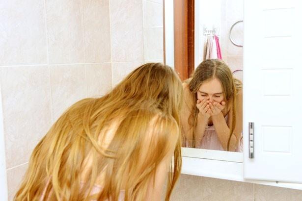 洗顔料だけで落とせるメイクで、お肌の休息日を作りましょう