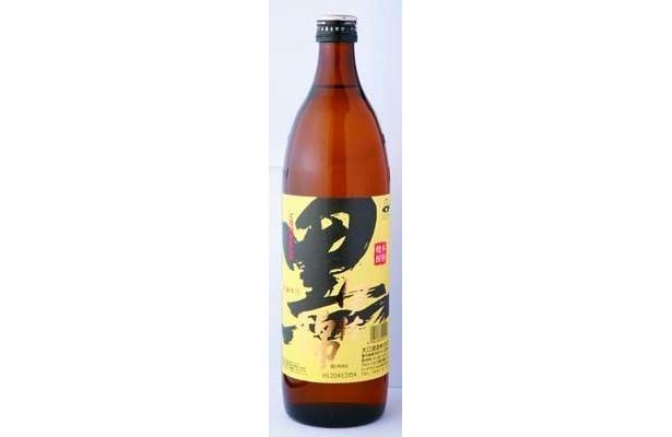 芋焼酎・黒伊佐錦を合わせてもよし(グラス500円/馬肉料理専門店 馬)