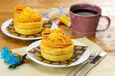 「パンプキンカップケーキ(ハロウィン)」(10月21日発売、395円)