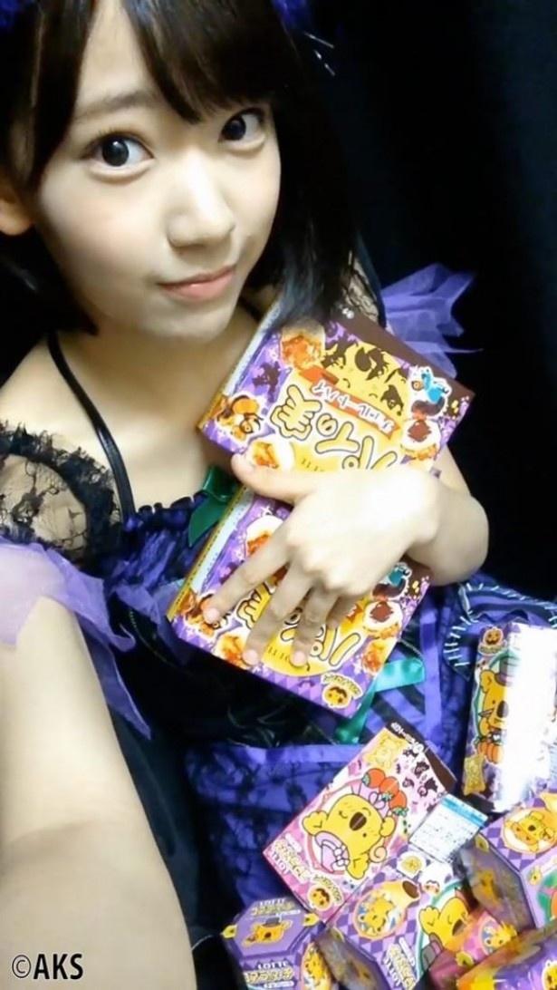 宮脇咲良の魔女(紫色のドレス)