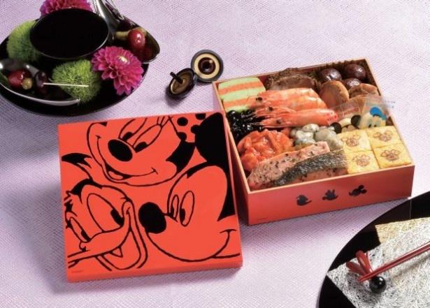 【写真を見る】「オードブルおせちセット/ディズニー」の可愛い重箱に注目!