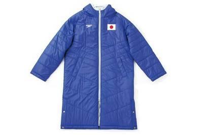 サイズはO(オー)。実際に選手が着るコートだ