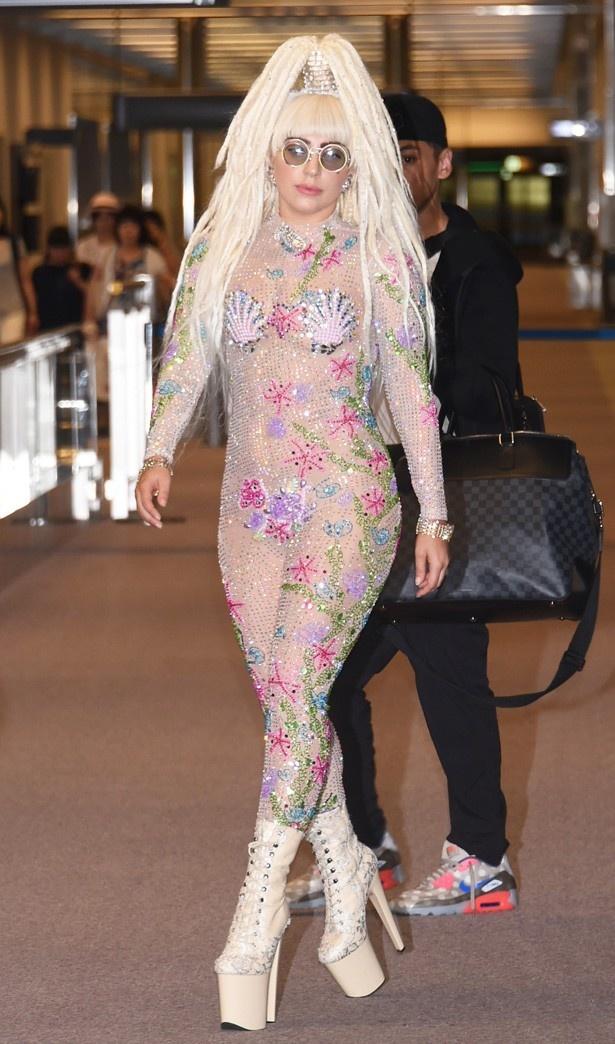 いつもの派手ファッションもマドンナの模倣!?