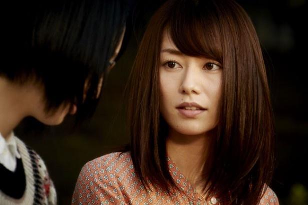 【写真を見る】谷桃子のこんな表情が見られるのは本作だけ!