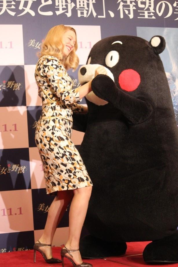 レア・セドゥとくまモンが美女と野獣の名シーンばりにダンス!