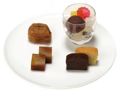 TORAYA TOKYO「祝い膳」(2484円)についてくる小豆が香るデザート