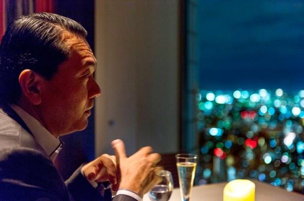 夜景の魅力を熱っぽく語る丸々氏。「夜景にはイマジネーションを喚起する魅惑的なパワーがあります」
