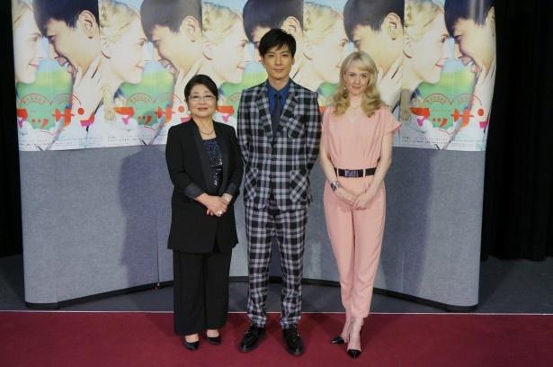 9月29日(月)スタートの連続テレビ小説「マッサン」の試写会に登壇した(左から)泉ピン子、玉山鉄二、シャーロット・ケイト・フォックス