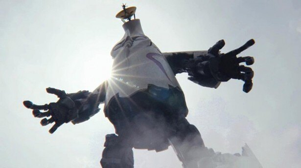 ついに全貌を現した!ロボの肩越しの太陽の光線に注目!/公式プロモーションムービー(4/11)