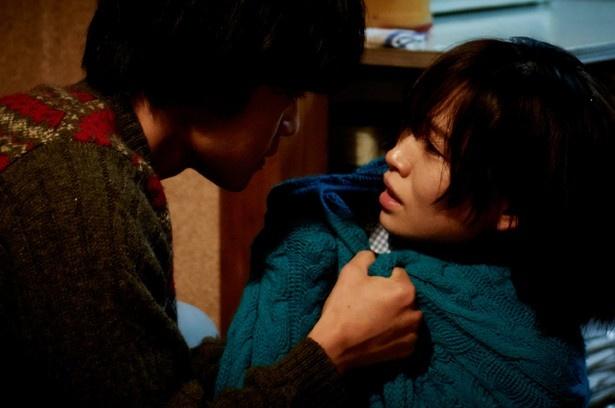 恵美子は拒絶されても洋(池松)に「好きだ」という気持ちを告げ続ける