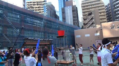 7月に都内で行われた「エクストリーム水鉄砲運動会」の様子。朝7時とは思えない盛り上がりをみせる