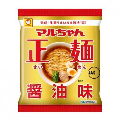 マルちゃん正麺 醤油味(108円)。なめらかでコシのある中太麺に、香味野菜の風味を効かせたスープがよく絡む