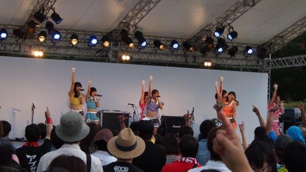 7~8月に52本のライブやイベントをこなしたアプガ。翌日の「@JAM EXPO」で8月のイベントはラストとなった