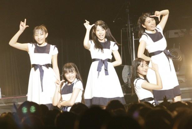 ドロシーリトルハッピーは左からMIMORI、MARI、KANA、KOUMI、RUUNAの5人組