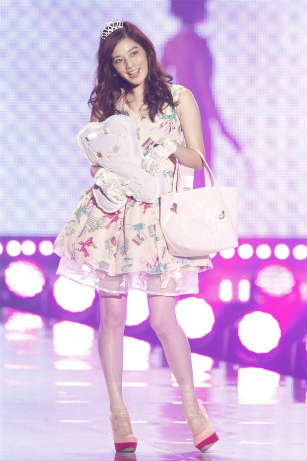筧美和子は昨年に続いて「東京ランウェイ」に出演