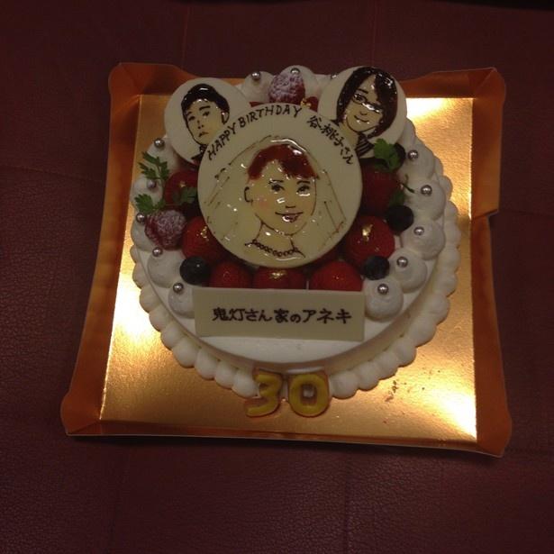 こちらがプレゼントせれた似顔絵バースデイケーキ