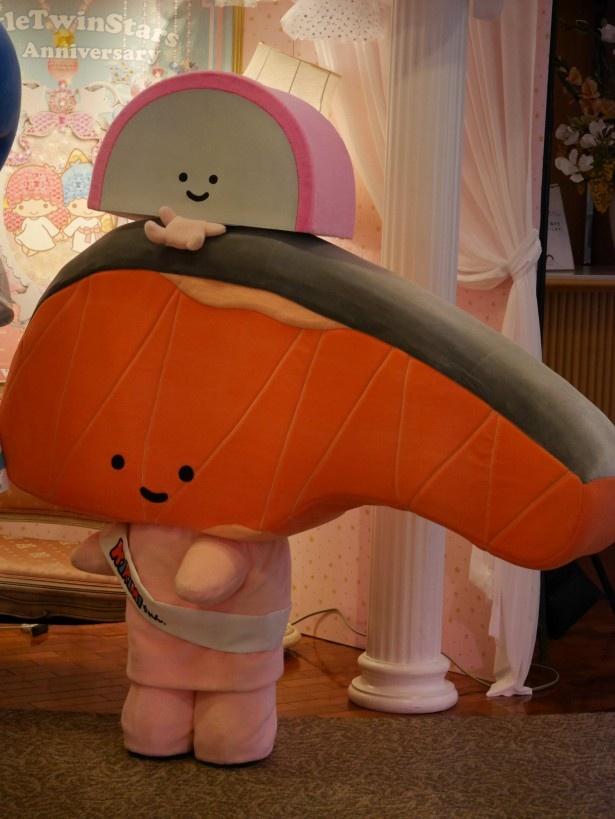 シャケの切り身のキャラクター、KIRIMIちゃん.はことし2月から商品化、人気急上昇中だ