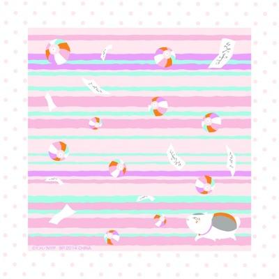 手書きのような風合いのストライプに紙風船が舞い上がったデザインの「H賞 ハンカチ(全4種)」