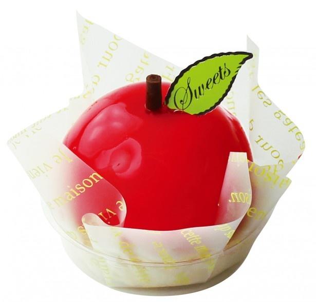 「真っ赤なりんごのケーキ」(345円)は角切りリンゴの酸味とリンゴのムースが爽やかな1品