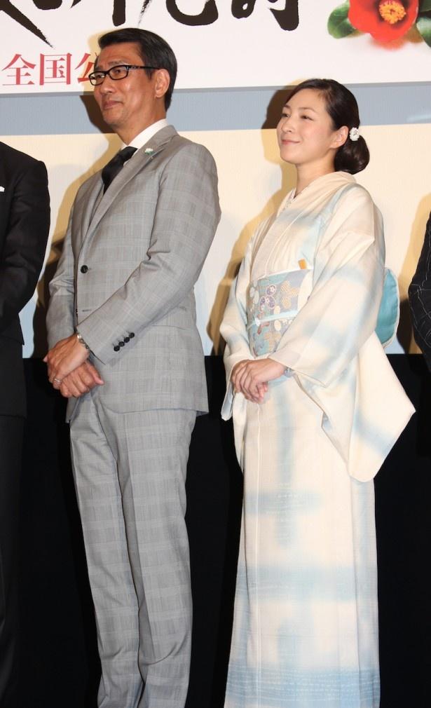 夫婦役を演じた中井貴一、広末涼子