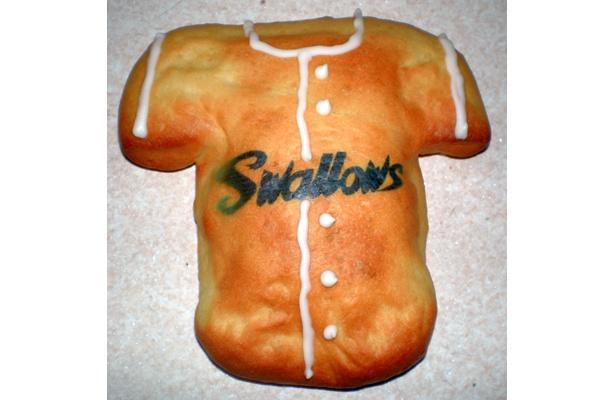 ヤクルトスワローズのファン垂涎モノのパンに仕上がった!