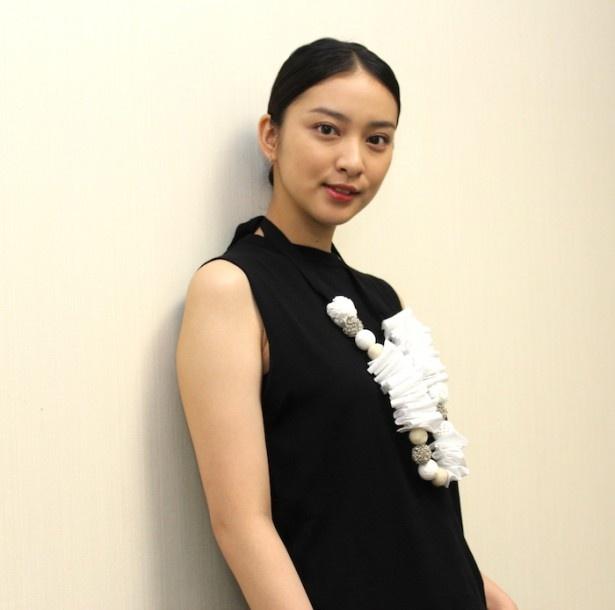 武井咲は「私の心の中に、薫が生きている」と笑顔を見せた