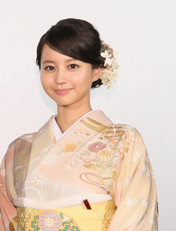 秋谷の娘・薫役の堀北真希
